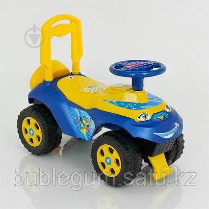 Толокар-машинка Doloni Toys