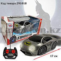 Машинка радиоуправляемая Бэтмен Batman со световым эффектом на батарейках Н615S