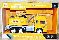 Немного помятая!!! 711 Автокран: строительная техника, City truck 35*23см