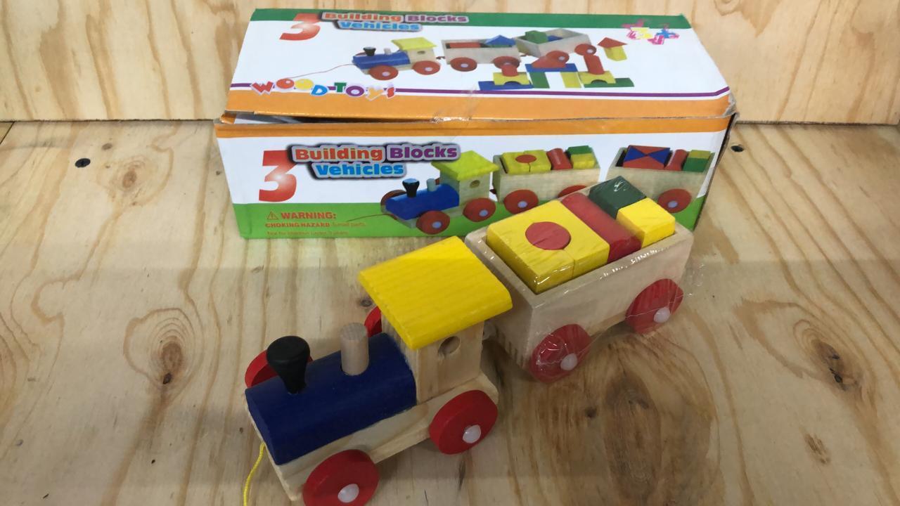 Деревянный поезд с пазлами