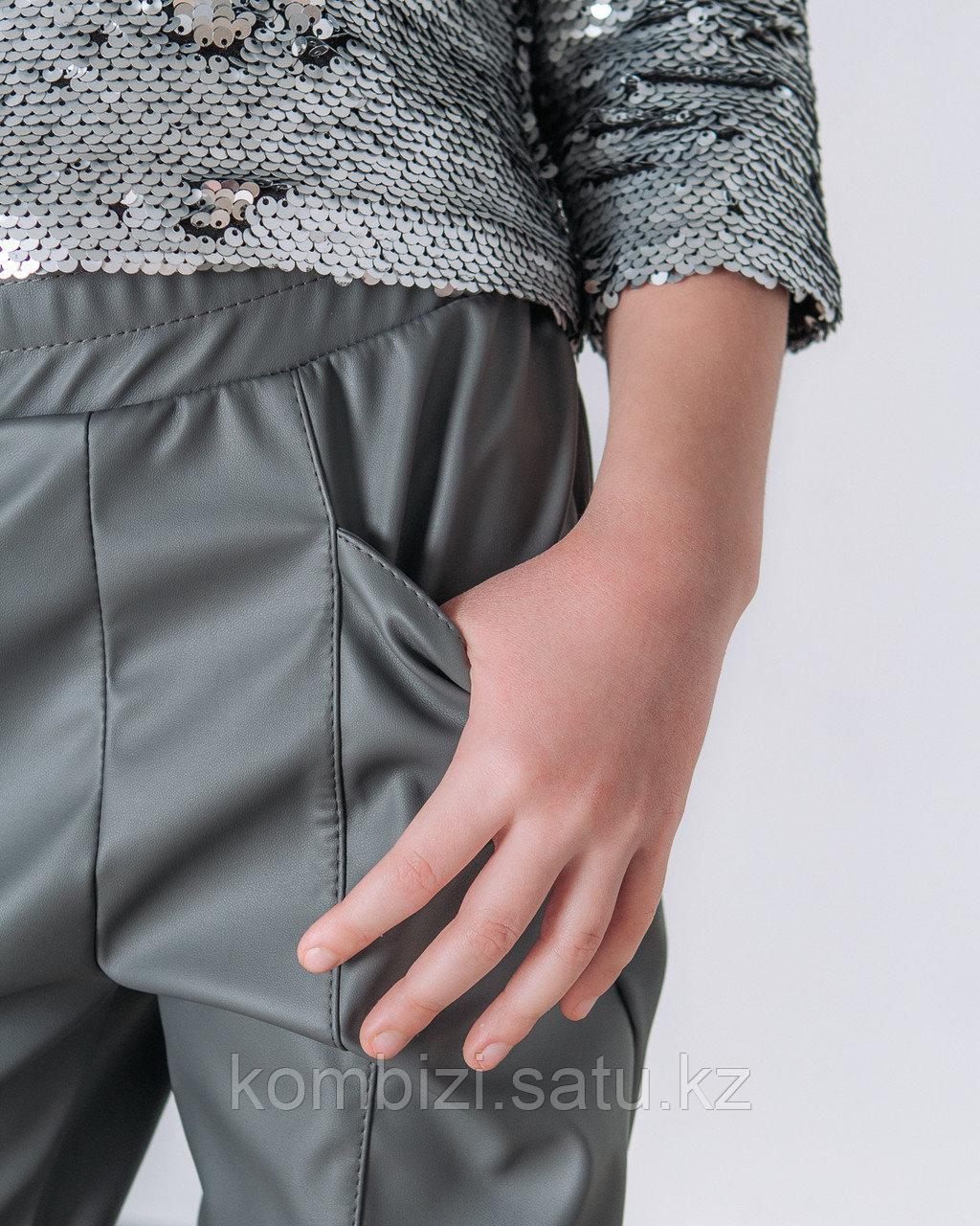 Штаны из экокожи FOR KIDS, серые - фото 2