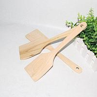 Деревянная кухонная лопатка