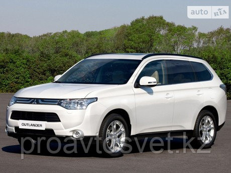 Переходные рамки на Mitsubishi Outlander 2014 Hella 3/3R