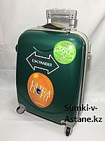 Маленький пластиковый дорожный чемодан Longstar на 4-х колесах.Высота 53 см, ширина 33 см, глубина 22 см., фото 1