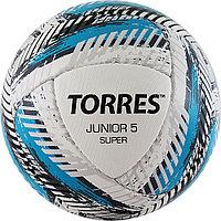 """Мяч футб. """"TORRES Junior-5 Super HS""""арт.F320305, р.5,вес 350-370 г, ПУ,4сл,16 п,руч.сш,бел-гол-сер"""