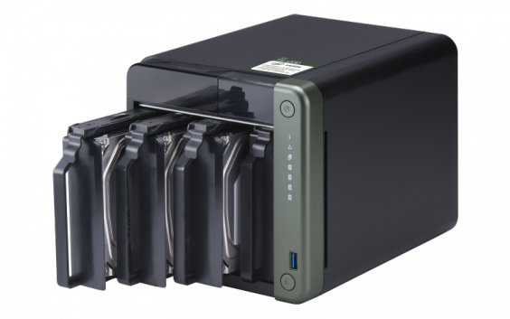 """QNAP TS-453D-4G Сетевой RAID-накопитель, 4 отсека 3,5""""/2,5"""", 2 порта 2,5 GbE BASE-T, HDMI-порт."""