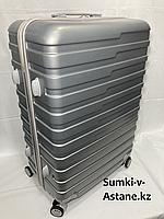 """Большой пластиковый дорожный чемодан на 4-х колесах""""Longstar"""".Высота 73 см, ширина 49 см, глубина 29 см., фото 1"""