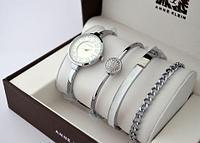 Часы наручные женские Anne Klein с тремя дизайнерскими браслетами (Белый в серебре)