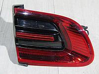 95B945093F Фонарь в крышку левый для Porsche Macan 2013- Б/У