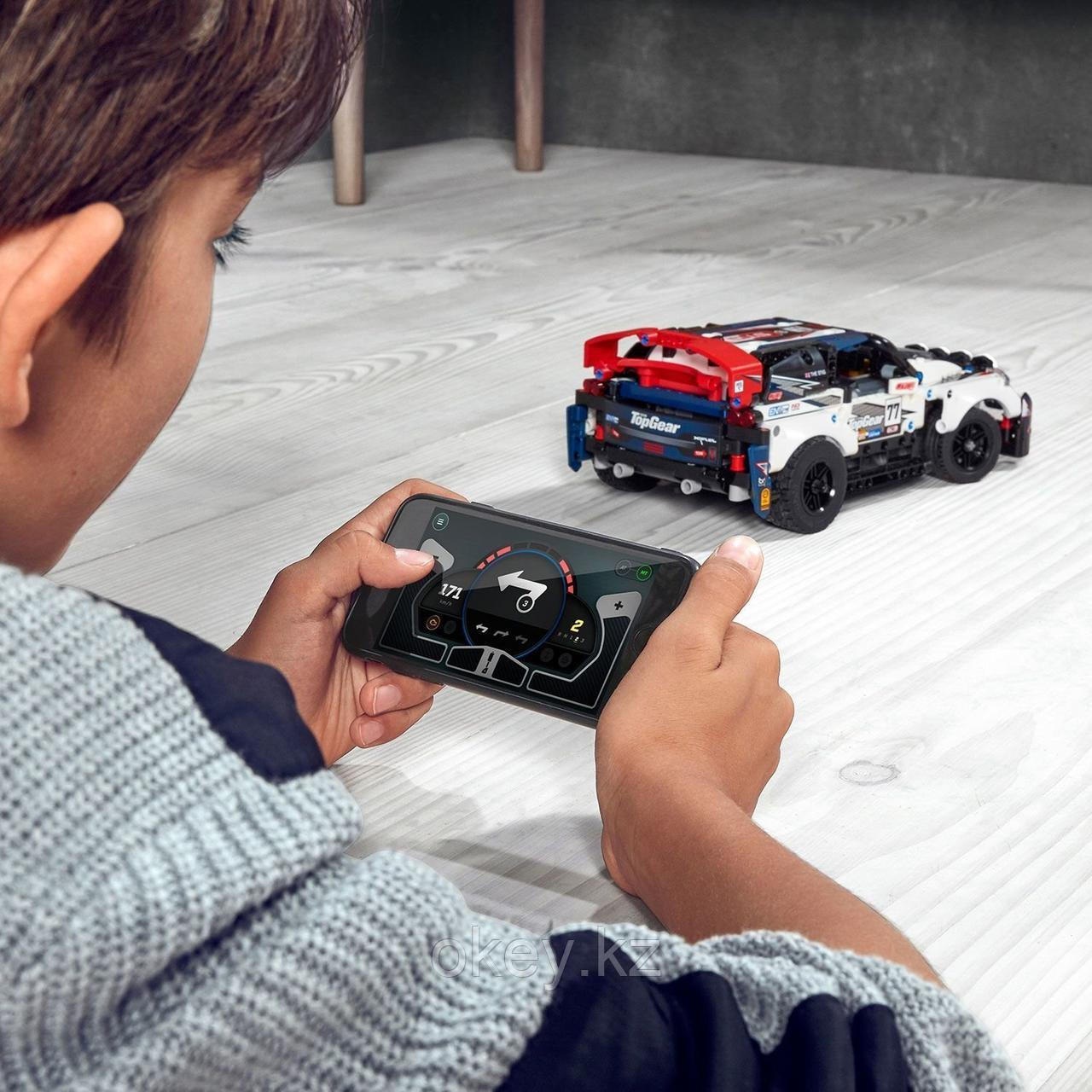 LEGO Technic: Гоночный автомобиль Top Gear 42109 - фото 5