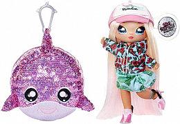 NA! Na! Na! Surprise - мягкие куклы с животным-помпоном-сумочкойSurfer Krysta Splash  от MGA
