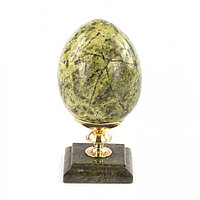 Пасхальное яйцо из змеевика на подставке