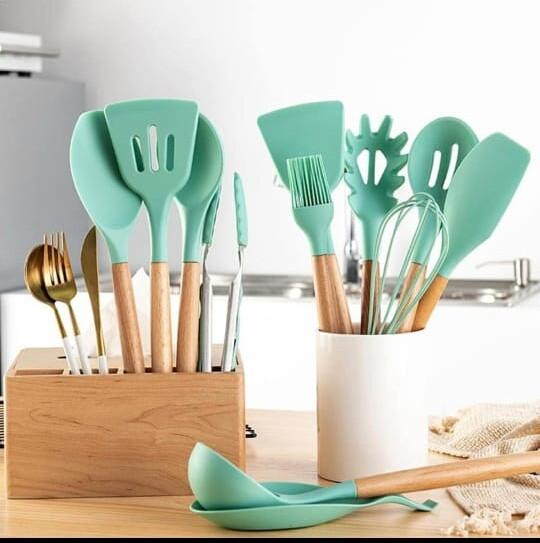 Премиальный набор кухонных принадлежностей из бамбука и силикона с подставкой