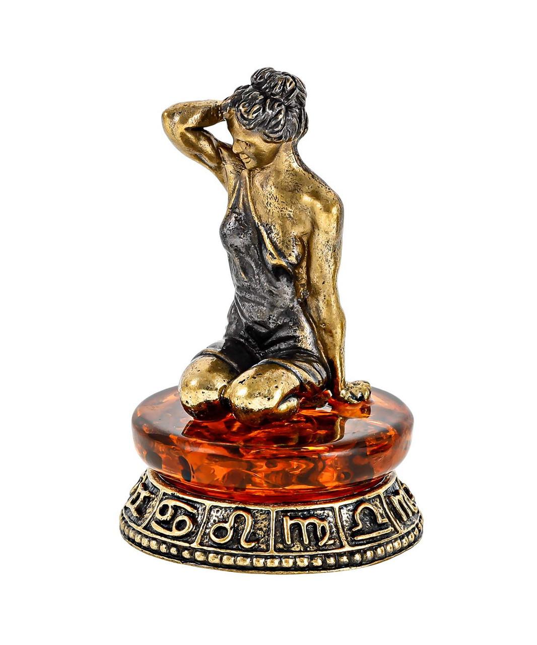 Знак зодиака Дева. Сувенир с янтарем. Ручная работа.