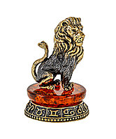Сувенир знак зодиака Лев на постаменте. Ручная работа, подставка из янтаря