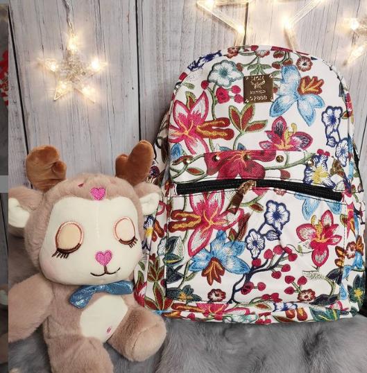 Рюкзак для девочки с цветком