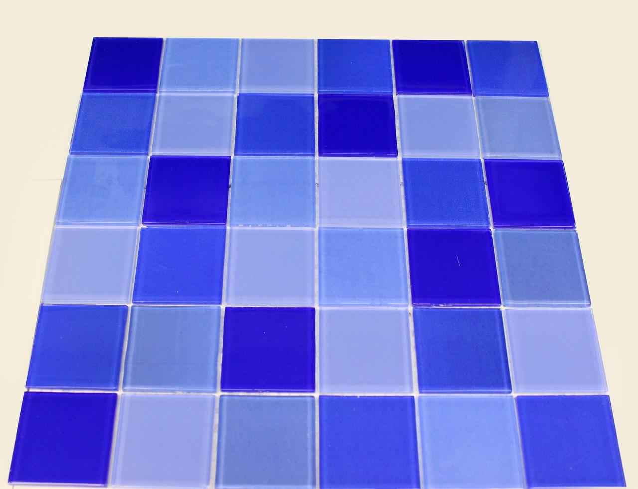 Крупная стеклянная мозаика голубой с синим
