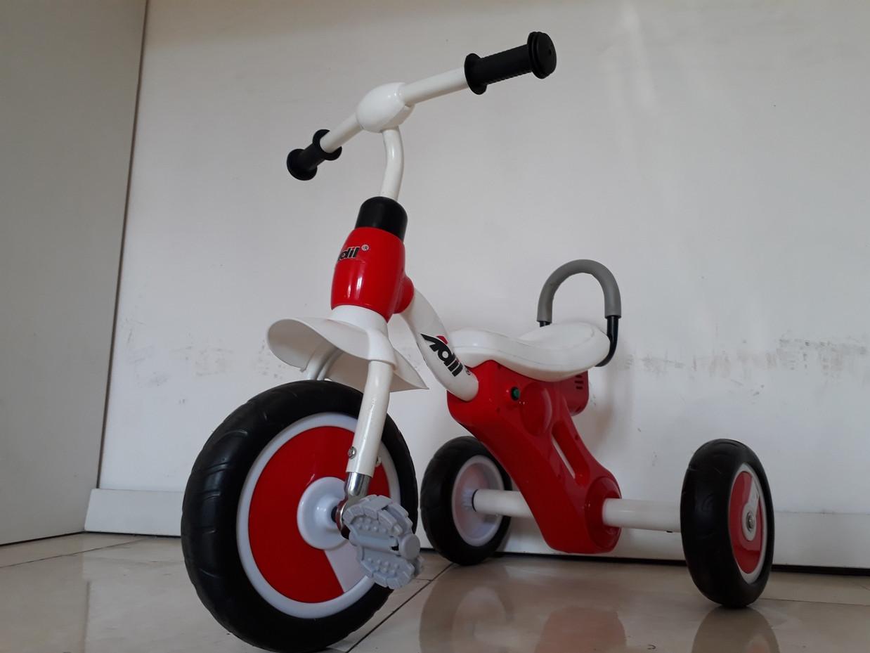 """Детский трехколесный велосипед """"Adil"""" с фонарем и мелодиями"""