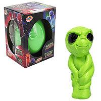 Игрушка яйцо с инопланетянином, растущим в воде, большое