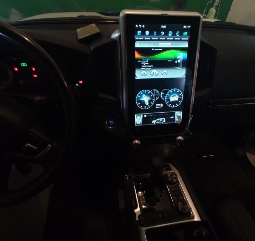 Автомагнитола Toyota land cruiser 200 Tesla 1