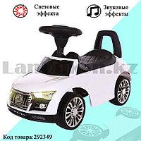 Каталка детская толокар автомобиль для прогулок с звуковым и световым эффектом Tolocar Mercedes-benz белая