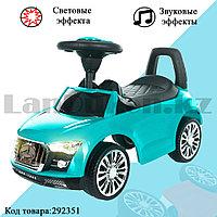 Каталка детская толокар автомобиль для прогулок с звуковым и световым эффектом Tolocar Mercedes-benz мятная