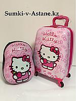 Детский чемодан для девочек в комплекте,5-7 лет,на 4-х колесах.Высота 46 см, ширина 30 см, глубина 22 см,, фото 1