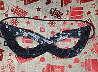 Маска на глаза черная карнавальная с пайетками