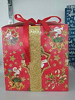 Коробочка для подарков Новогодний Дед Мороз 18*18 см
