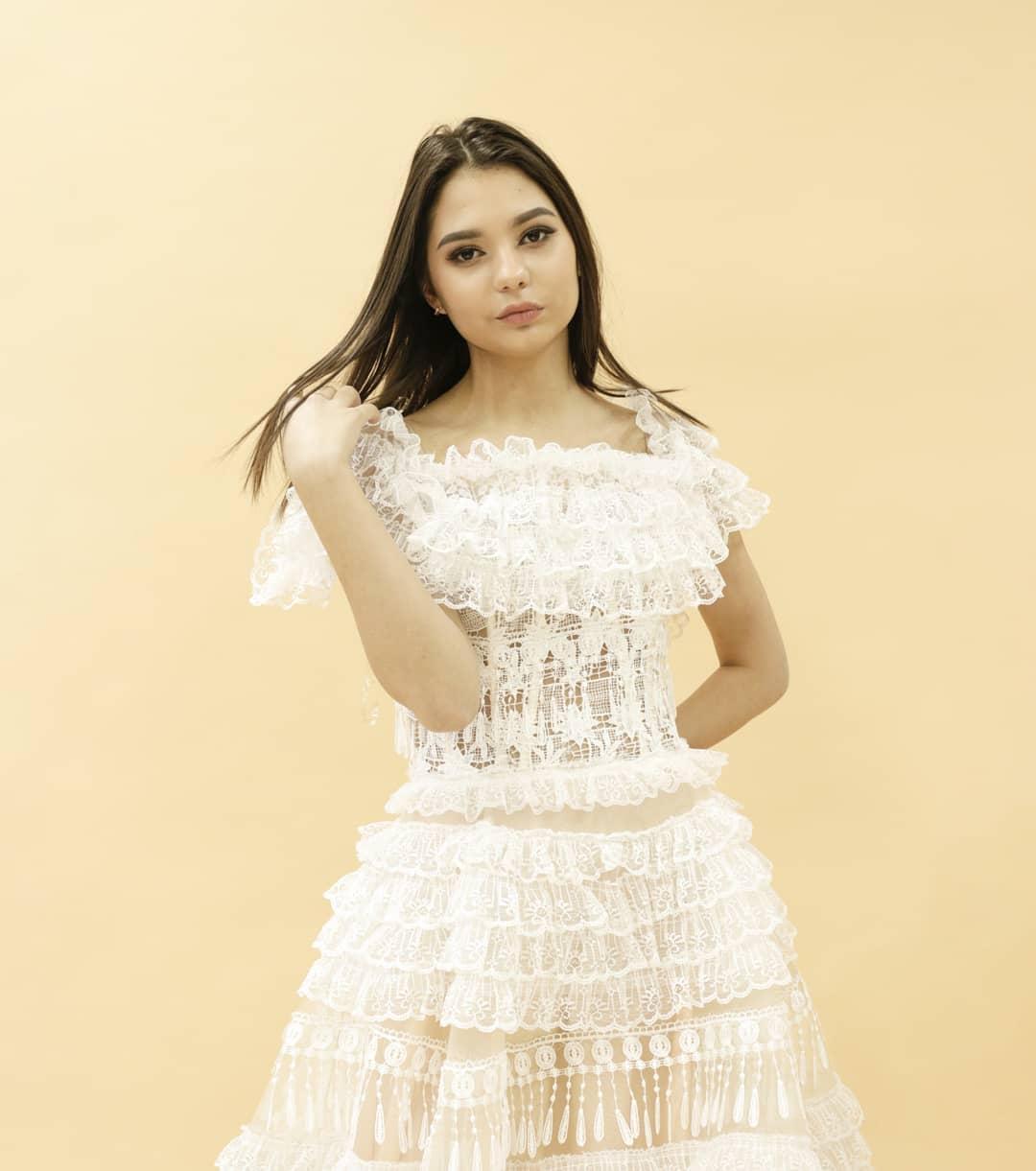 Вечернее платье (кружевная ткань, 36,38 размер)