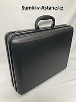 Пластиковый кейс-дипломат.Высота 41 см, ширина 51 см, глубина 14 см., фото 1