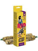 Лакомство для попугаев Рио палочки с мёдом и орехами 2 * 90 гр
