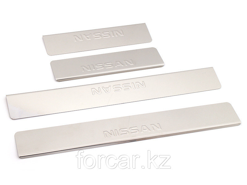 Накладки внутренних порогов NISSAN X-Trail T32 (2014->) (нерж. сталь) (к-т 4 шт.)