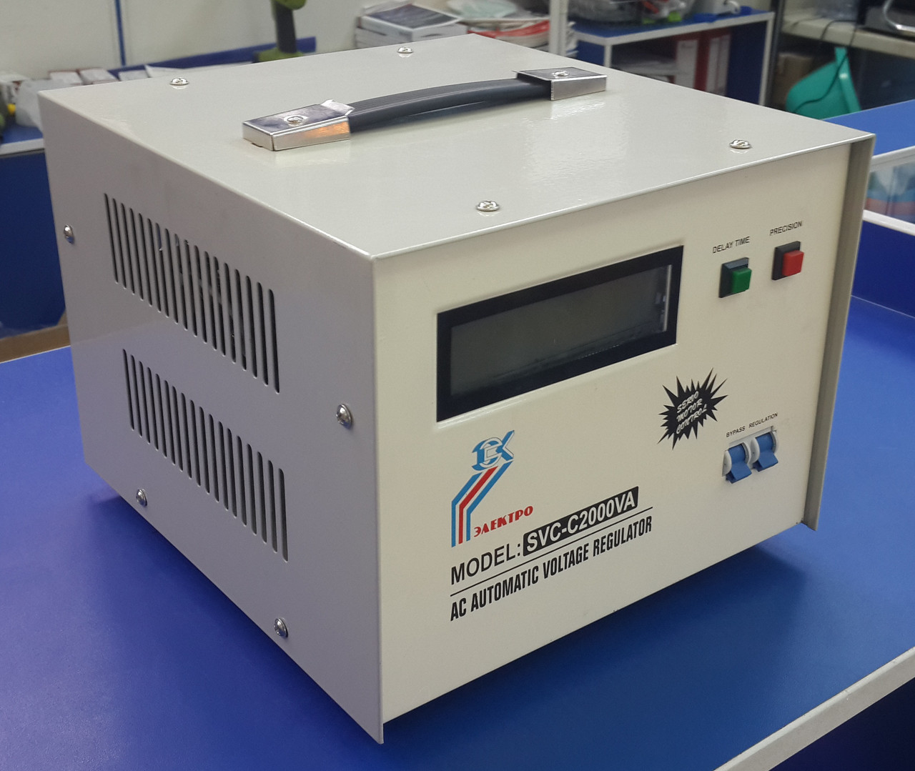 Стабилизатор напряжения элекромеханический однофазный AL SVC-C 1500VA
