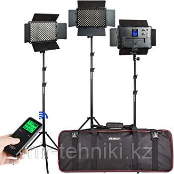 Комплект светодиодных панелей Viltrox  VL-S192T (3 света+3 стойки + 3 сет. адап. + переносная сумка)