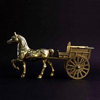 Повозка из бронзы. Привезена из Англии.