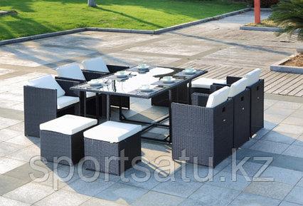 Набор мебели, стол + 6 кресел + 4 пуфика