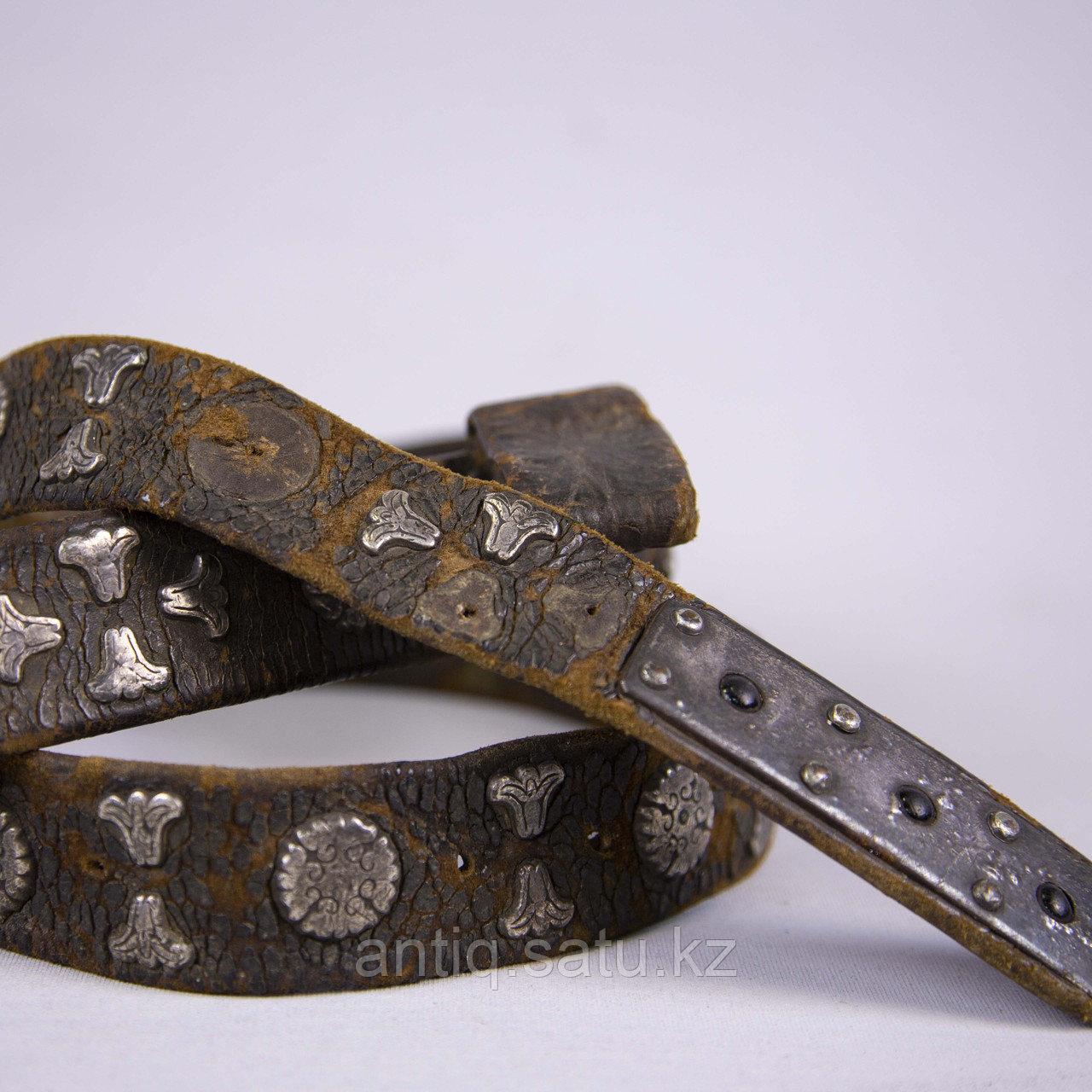 Кисе-белдик национальный Казахский охотничий пояс. Кожа, шитье, металл, ковка, серебро, насечка серебро - фото 8