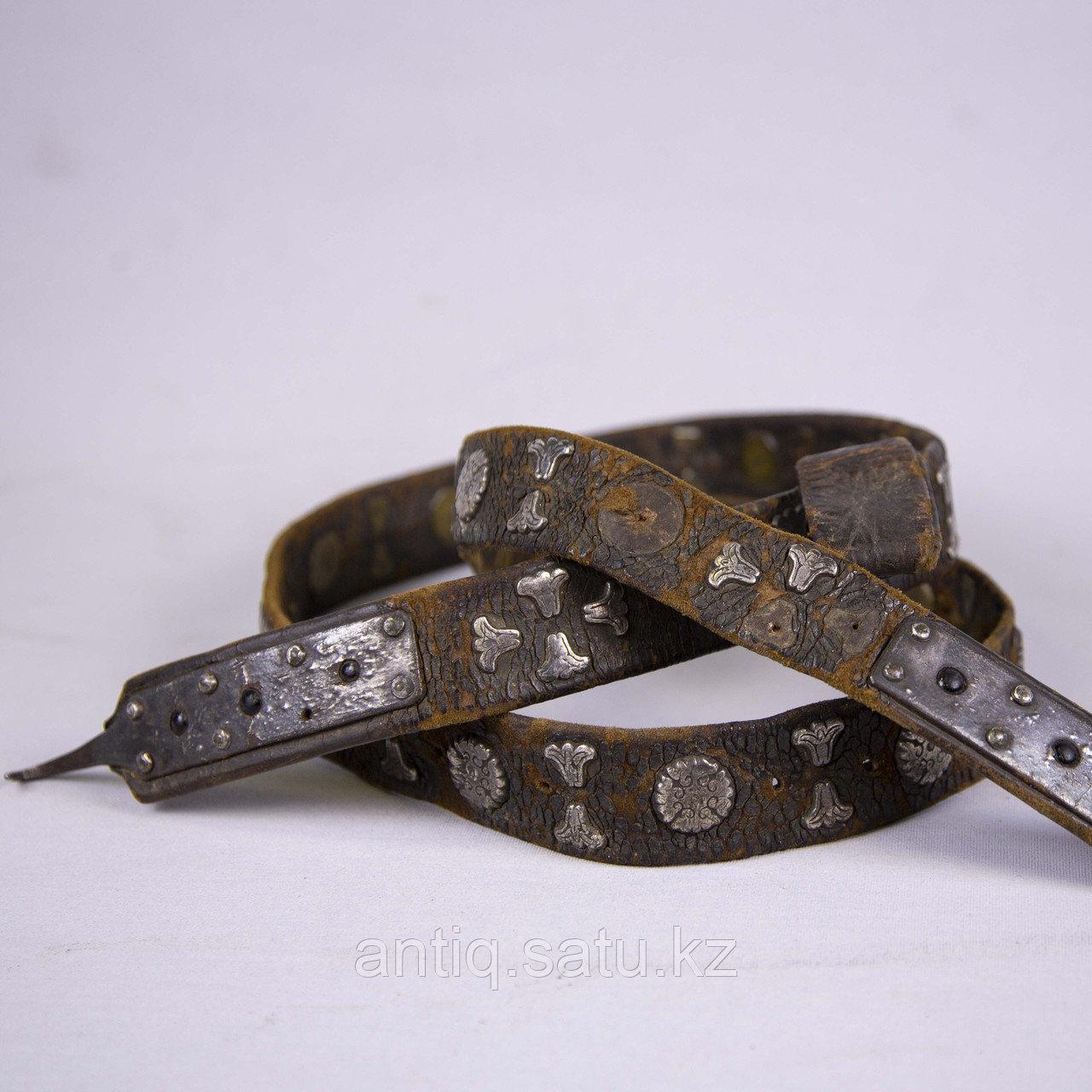 Кисе-белдик национальный Казахский охотничий пояс. Кожа, шитье, металл, ковка, серебро, насечка серебро - фото 4