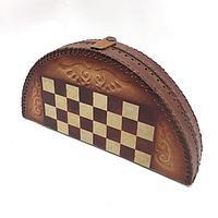 Шахматы из натуральной кожи с тиснением казахского национального орнамента