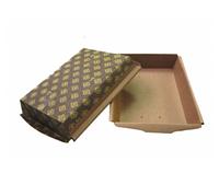 Коричневые прямоугольные картонные формы.