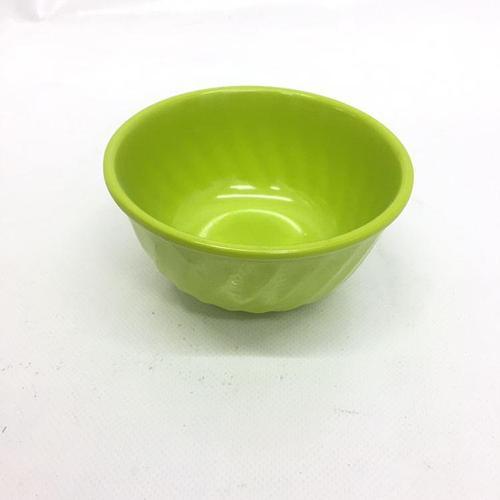 Пласстмасовая посуда тарелка