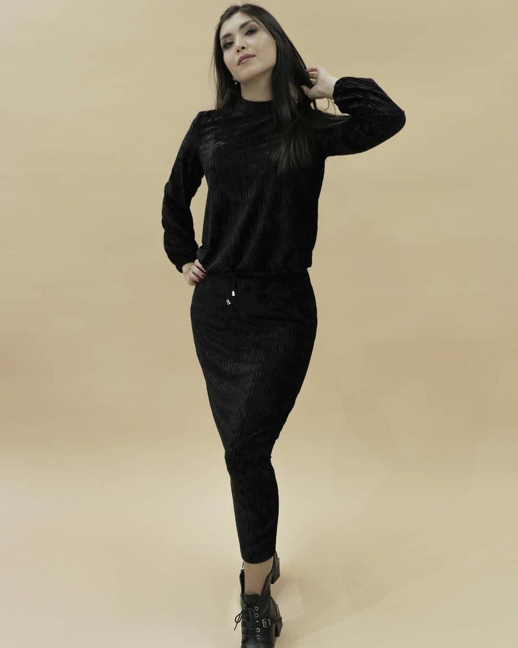Женский костюм (черный бархат) 36-42