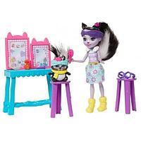 Энчантималс Седж Скунси c куклой и туалетным столиком