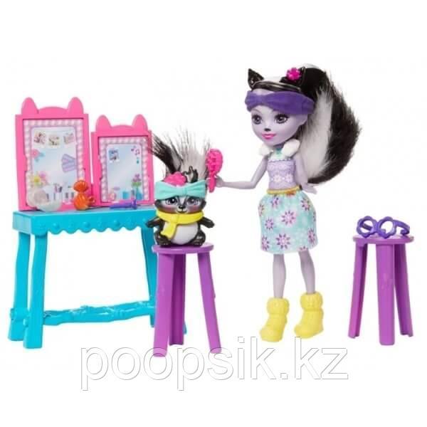 Энчантималс Седж Скунси c куклой и туалетным столиком - фото 1