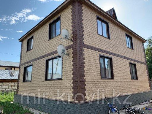 Сайдинг СТОУН-ХАУС Кирпич-Бежевый фасадная панель-форма рванного камня и кирпича