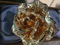 Сувенирная роза из сусального золота