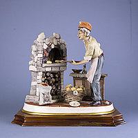 Пекарь. Автор Bellinaso. Фарфоровая мануфактура Capodimonte.