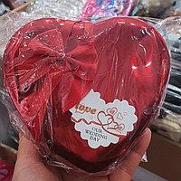 Подарочная коробочка / шкатулка красная в форме сердца / красная подарочная коробка