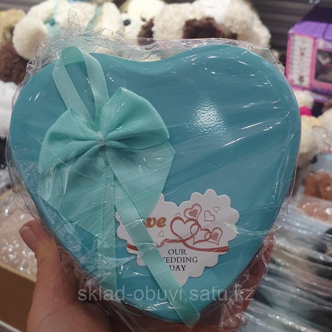 Цветы с игрушкой / милый подарок / букет/ подарочный набор в металлической коробочке в форме сердца - фото 5
